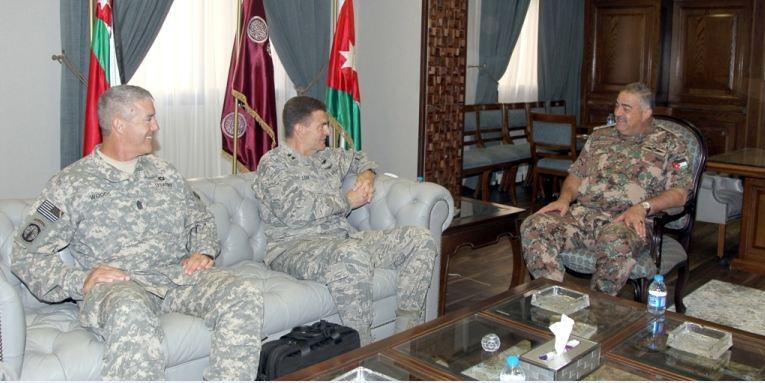 رئيس هيئة الأركان المشتركة يستقبل وفداً عسكرياً أمريكياً