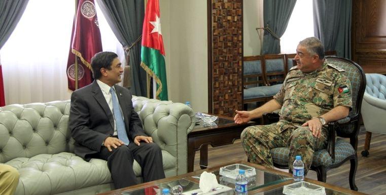 رئيس هيئة الأركان المشتركة يستقبل السفير الباكستاني