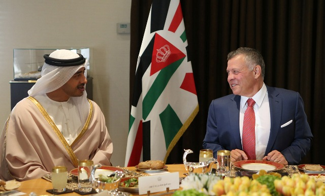 جلالة الملك يستقبل وزير الخارجية الإمارتي